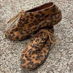 Women's leopard print booties size 6.5 by DV